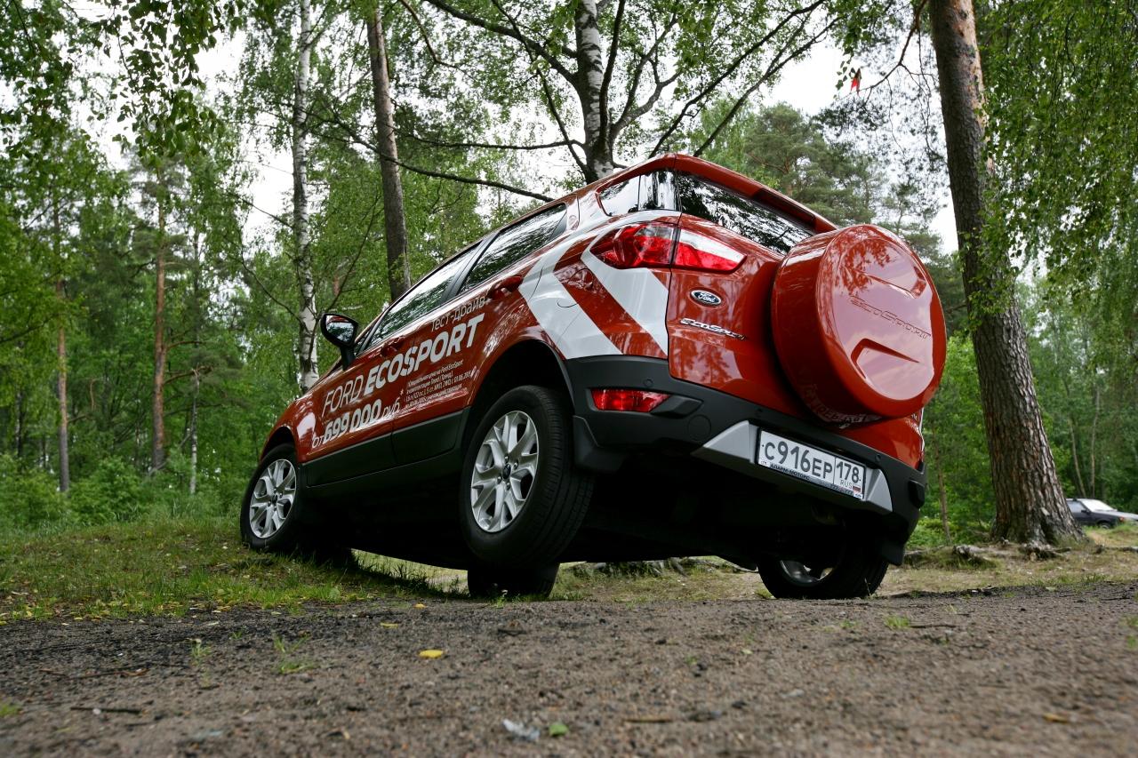 Ford_EcoSport_vs_Skoda_Yeti_35.jpg